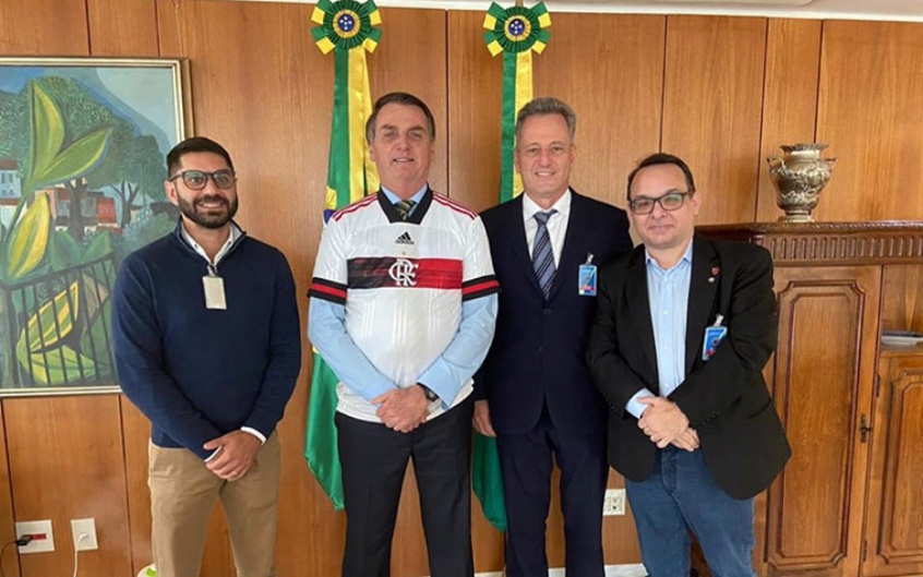 Direito de Imagem é alterado em reunião de gestores do Flamengo com presidente Jair Bolsonaro.