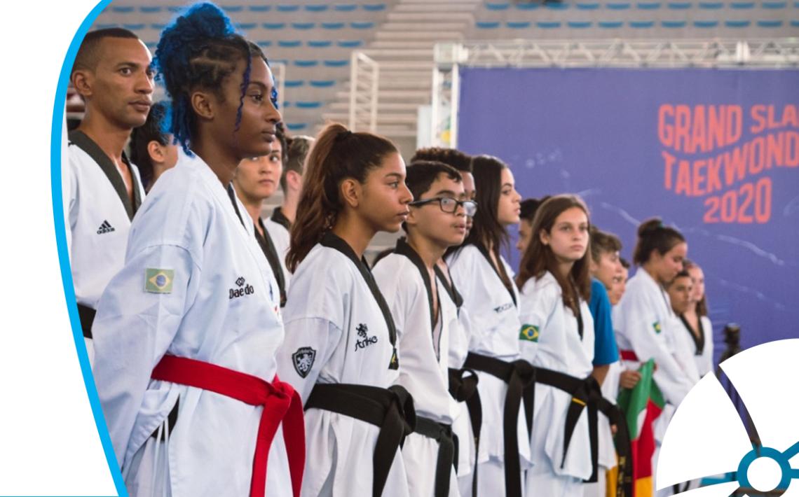 Atletas de Taekwondo durante competição